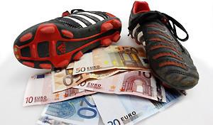 fussballschuhe-und-geldscheine