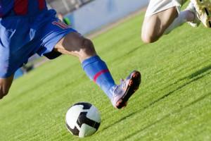 fussball-duell-schuss