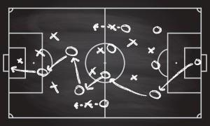 fussball-kreidetafel-strategie-taktik-plan-abwehr-mittelfeld-sturm