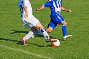 fussball-laufduell-dribbling