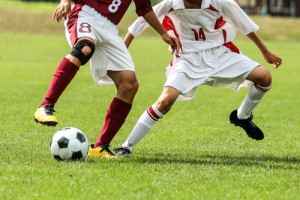fussball-zweikampf-dribbling