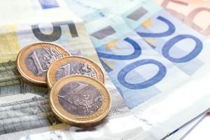 geld-euroscheine-muenzen