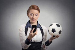 mobile-handy-app-frau-fussball