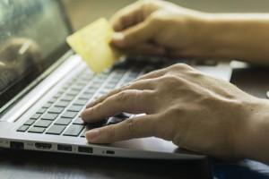 pc-online-kreditkarte-einzahlung-geld-zahlen