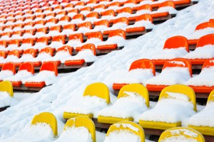 stadion-tribuene-schnee